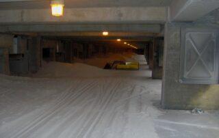MINIDOZER 27 in a winter interior parking