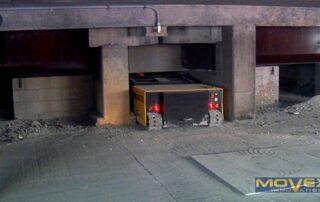 Un MINIDOZER 27 dans un stationnement